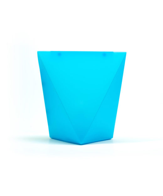 WEEW-Design-Made-in-Italy-Lampada-da-tavolo-idee-arredamento-per-bambini-azzurro 01