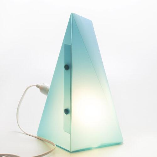 WEEW-Design-Made-in-Italy-Lampada-da-tavolo-idee-arredamento-per-bambini-azzurro 03